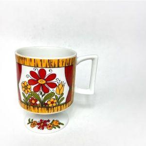 Vintage red orange daisy teacup